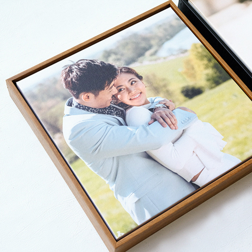 WOODEN FLOAT FRAME CANVAS 20x20