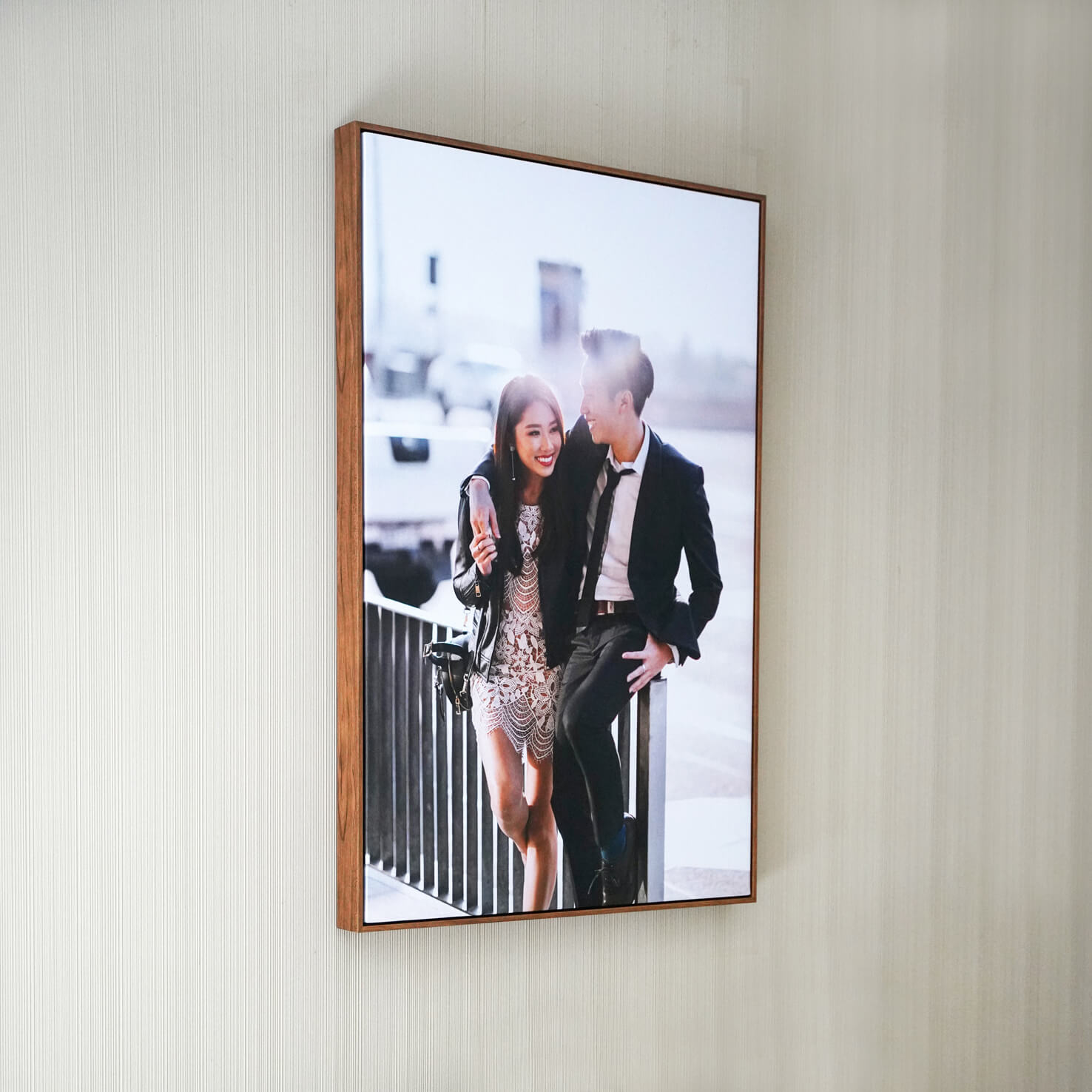 WOODEN FLOAT FRAME CANVAS 32x48