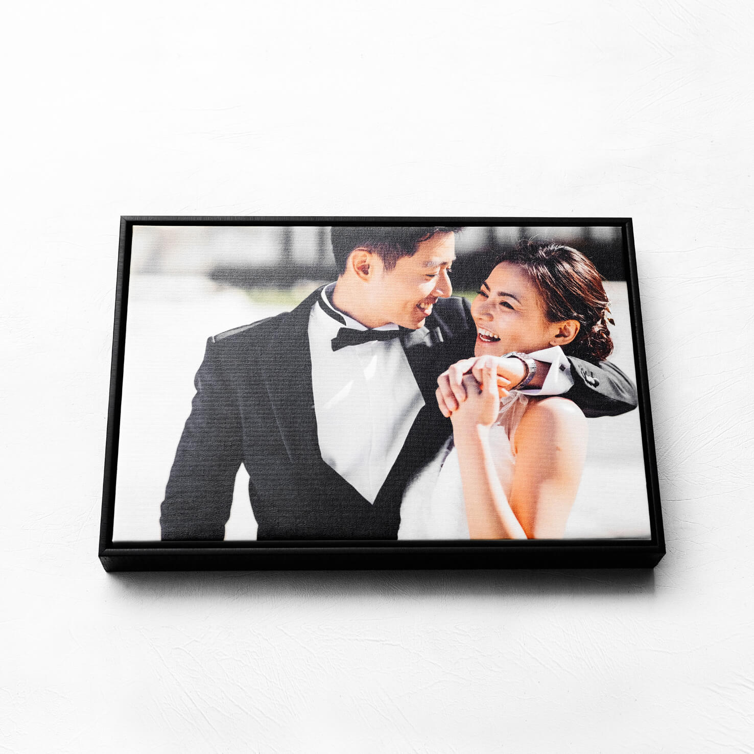WOODEN FLOAT FRAME CANVAS 36x54